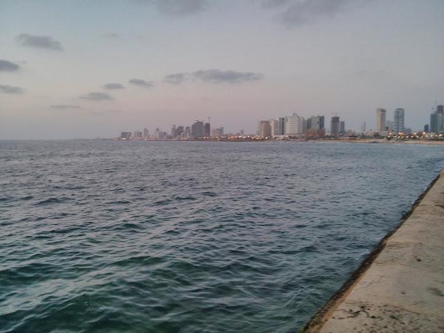 טיילת יפו הים