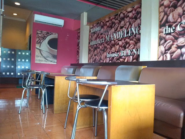 I-cos Cafe Tembalang