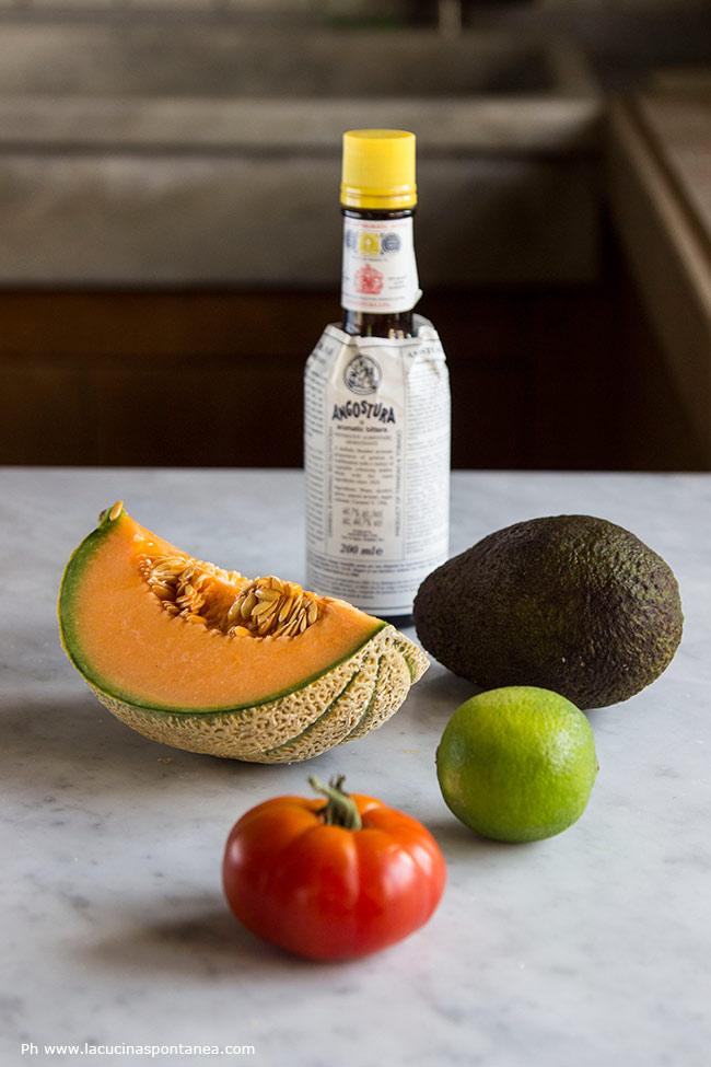 Immagine con: melone, pomodoro, avocado e angostura