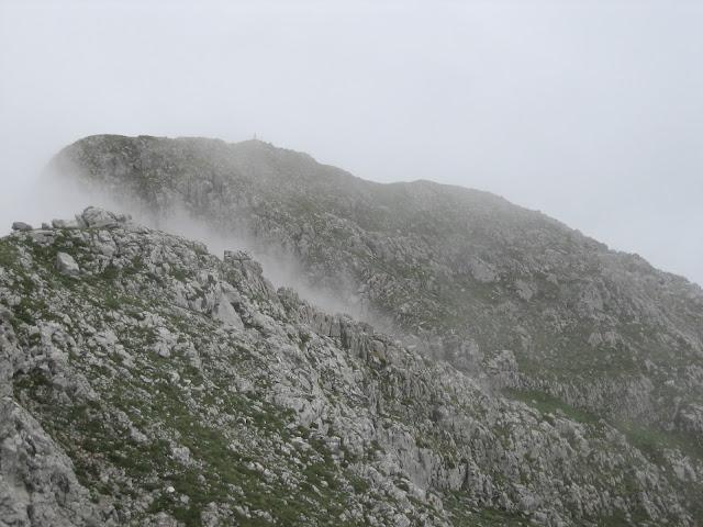 Comienza a verse la cima de la Tesa
