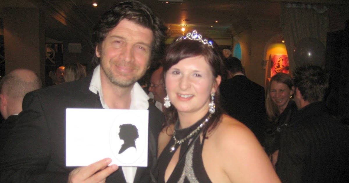 Silhouette Art At A Wedding With The Stars Of Bbc S Diy Sos