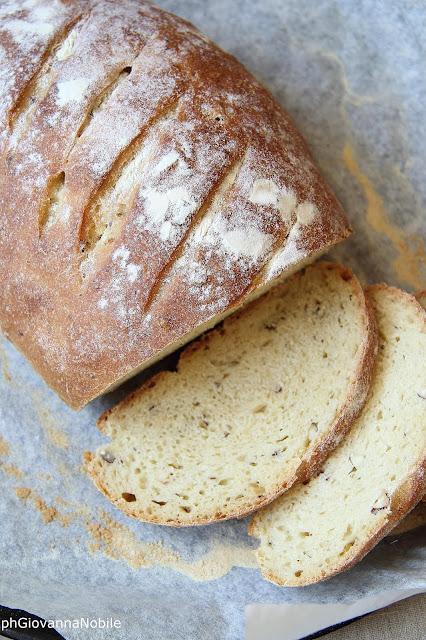 Pane di grano Kamut alle nocciole