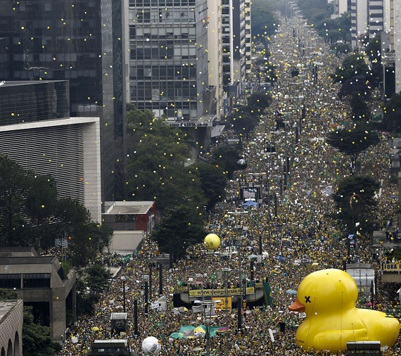 Brasil, marchas contra Dilma y Lula