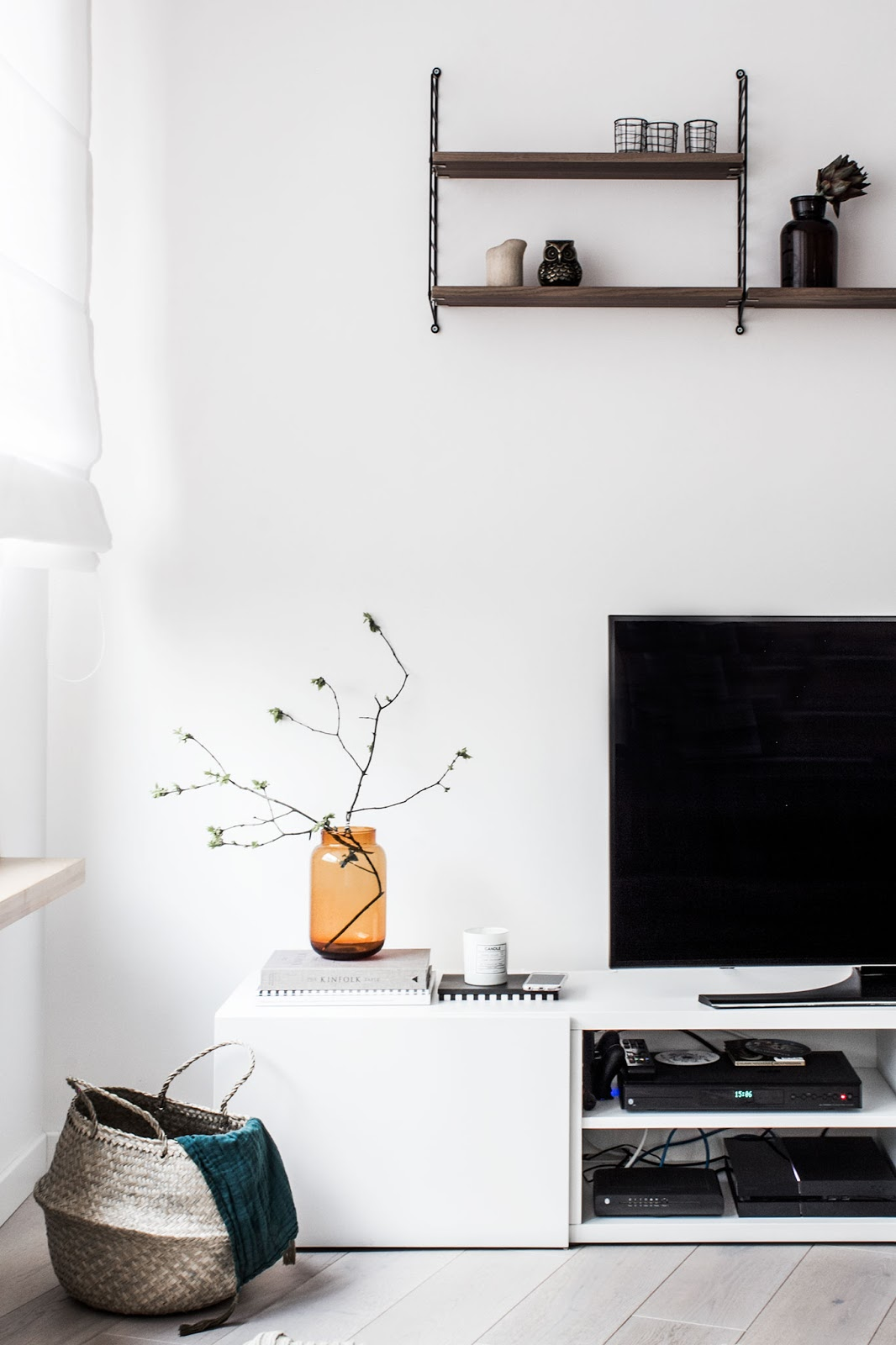 nordic interior decor, string shelf