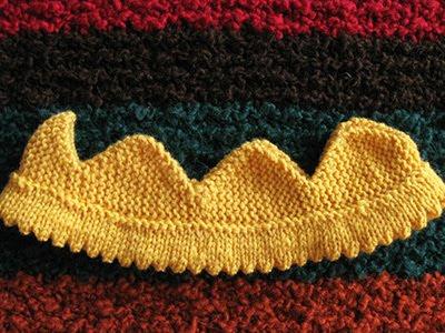 Crowns all around - free knitting pattern - Chicken Stitches Blog d5ddbc8eb42
