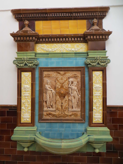 Sconzani cardiff s historic drinking fountains - Faience corridor ...