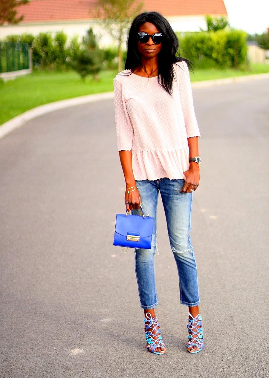 sac-furla-metropolis-blouse-peplum-promod-jeans-dechire-zara-sandales-cages-bleues-