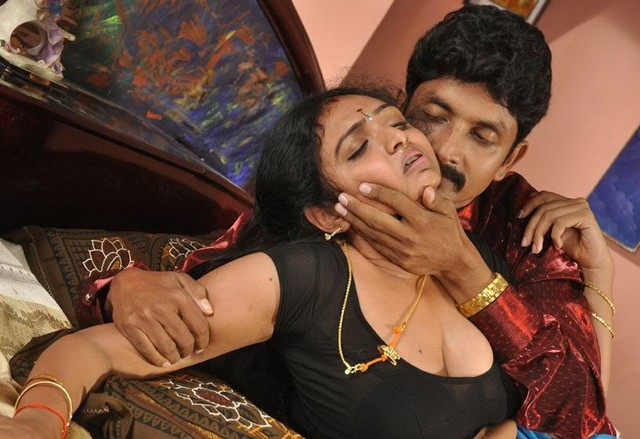 Desi girl preethi romance with boyfriend - 4 3