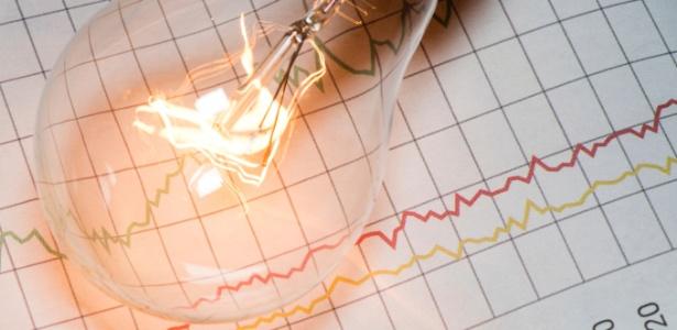 Distribuidora de energia terá de oferecer opção de tarifa menor fora do horário de pico aos consumidores