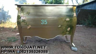 KABINET KLASIK-KABINET UKIR-FURNITURE INTERIOR KLASIK173,Mebel interior Klasik Jual Mebel Jepara Toko Mebel Jati Klasik Mebel Klasik Jepara Mebel Ukiran mebel ducojepara mebel Classic eropa Mebel ukir Jati   #Mebel interior Jepara#tokojati mebeljepara#mebel online jepara#toko mebel jati#toko mebel klasik#toko mebel online#jepara furniture shop##Mebel Jati jepara# Sofa jati#Dipan jati#Kamar Set jati#Kabinet jati#Buffet jati#Meja Makan jati#Nakas jati#Pigura jati#Meja Tamu jati#Lemari Kaca jati#Almari Pakaian jati#Meja kantor jati#Partner desk jati#Meja konsul jati#Meja Trembesi solid#tempat tidur sofa tamu meja makan Klasik Antique cat duco French style ukiran jati Classic Modern jepara#