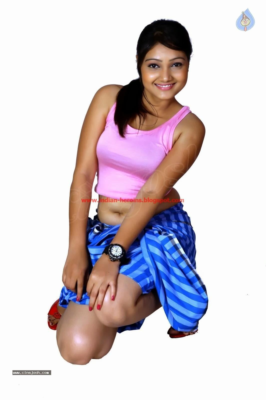 Telugu Tv Actress Priyanka Hot Navel And Boobs Showing -1749