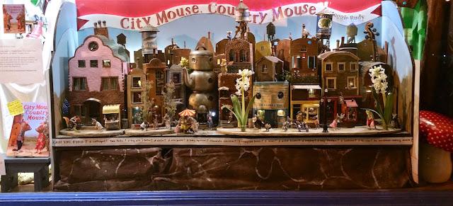 http://mouseshouses.blogspot.com/p/traveling-mouseland.html