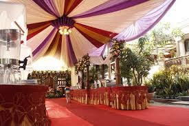 dekorasi pernikahan mewah dirumah