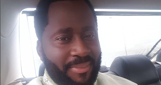 Nollywood - Actor Desmond Elliot offers a decent shelter to homeless lady