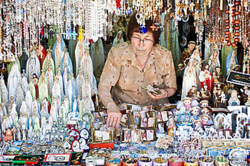 36d22584ea6 La venta de artículos religiosos es un negocio rentable « Ideas de ...