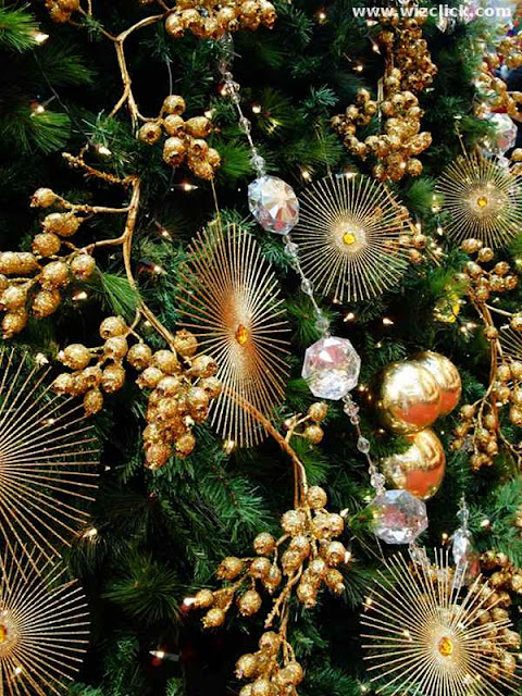 Bedazzling Christmas Tree at Pavilion Mall KL