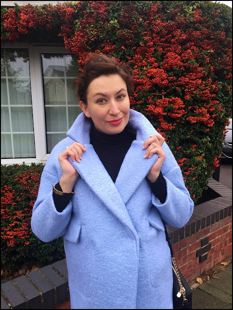 Blogerka modowa Puławy, Adriana Style Blog, Dresslily Blue Boucle Coat, Niebieski płaszcz boucle Dresslily, Jesienna Stylizacja, Autumn Outfit, Botki Bonprix, Bonprix Boots, Konkurs Kik