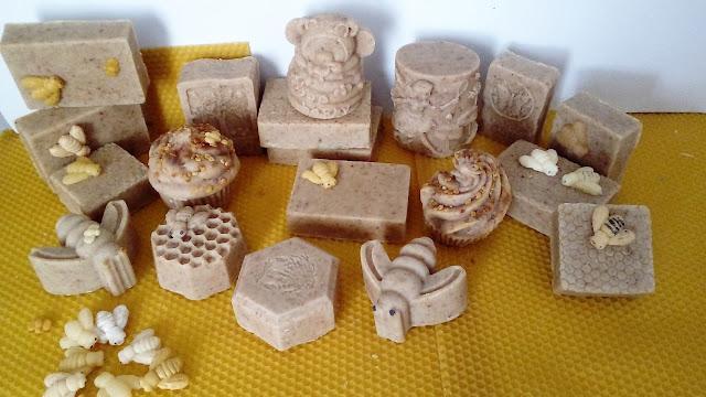 Jabón-natural-con-productos-de-la-colmena-Chaladura-de-jabones
