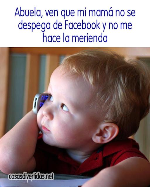Abuela, ven que mi mamá no se despega de Facebook