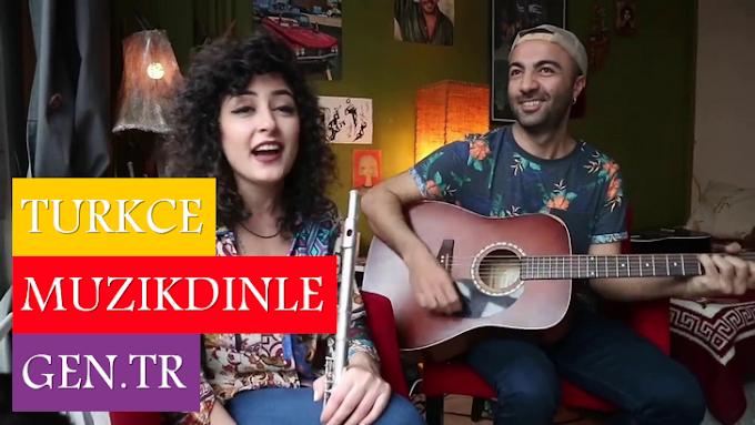 No.1 Feat. Melek Mosso Hiç Işık Yok Şarkı Sözleri