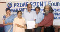 Ms V S Meenakkshi receiving the first prize for English essay