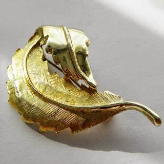 Curled leaf brooch by Hollywood