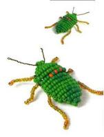 Зеленый жук-вонючка из бисера