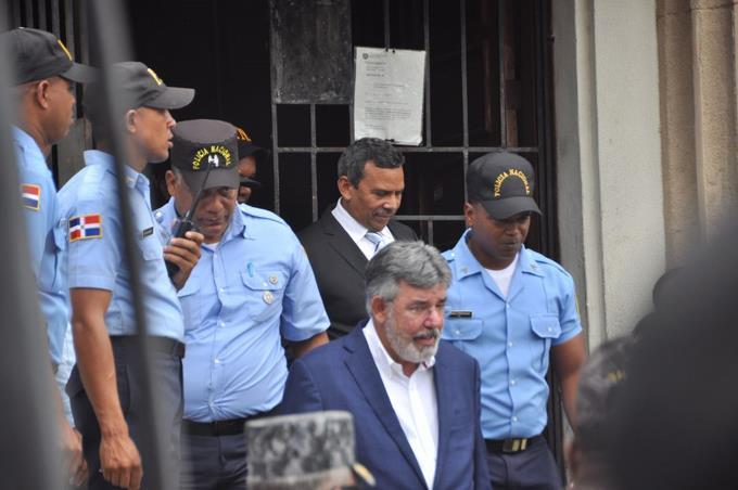 Víctor Díaz Rúa solicita al PLD suspenderlo como secretario de finanzas
