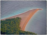 Plaža Zlatni rat, Bol slike otok Brač Online