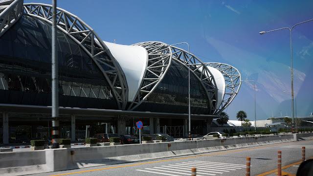 Изображение здания аэропорта Бангкока Суварнабхуми, Тайланд