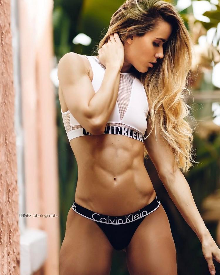 Valentina Lequeux body