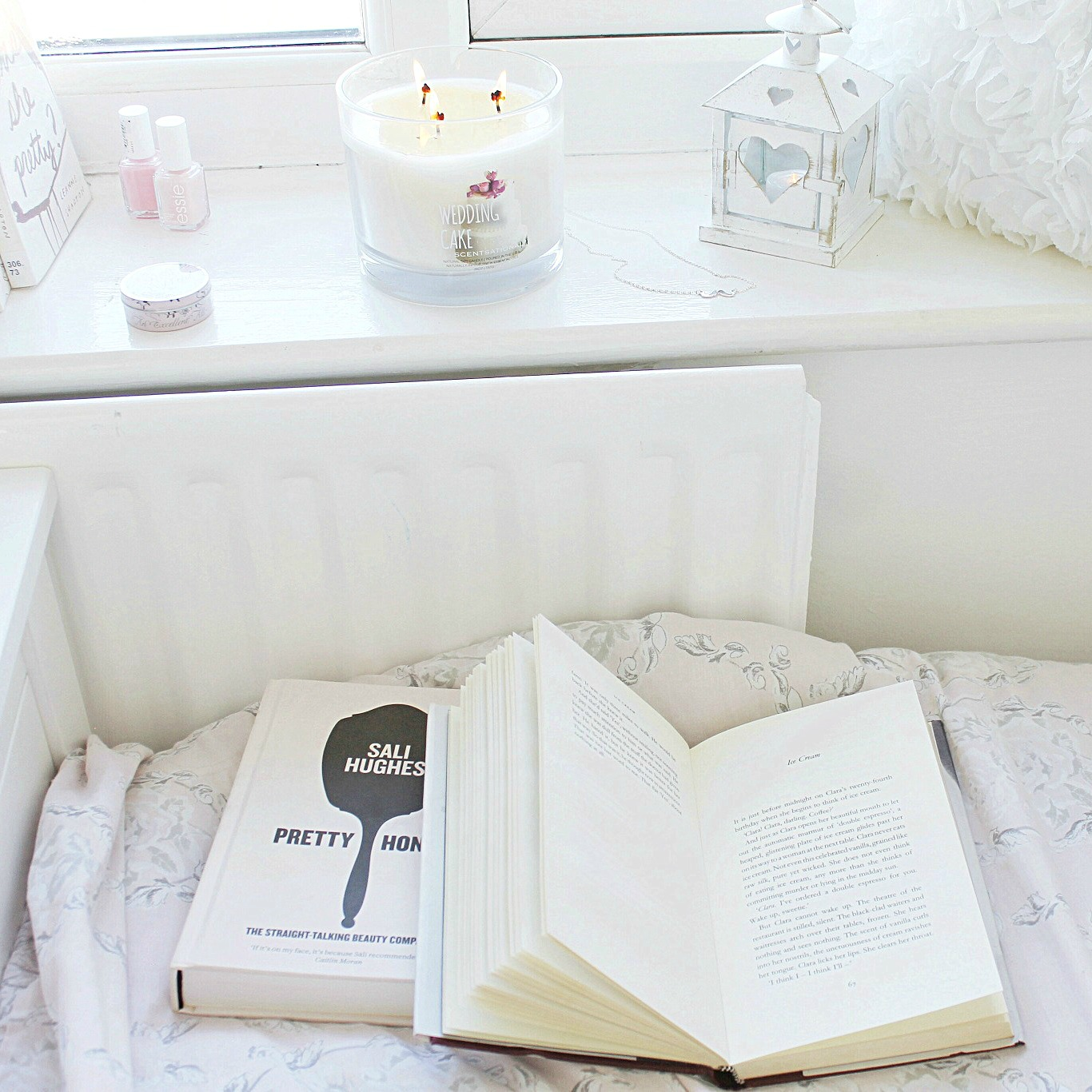 Girly cosy relaxing space, shabby chic reading nook