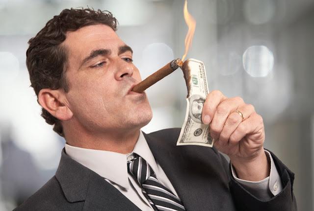 錢,是要流通的;不流通,再多錢也沒有用