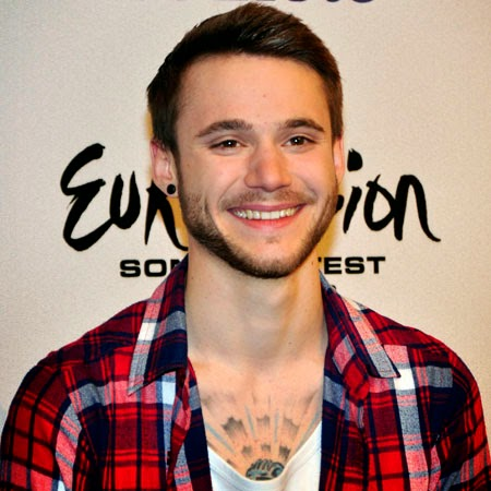 Um Deus Caido do Olimpo: Eurovision Gajos Giros - Roman