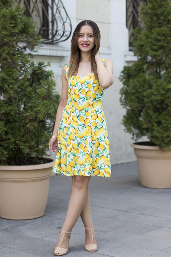 dress with lemon print