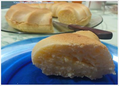 pão de queijo; pão; pão de queijo grande; pão de queijo recheado