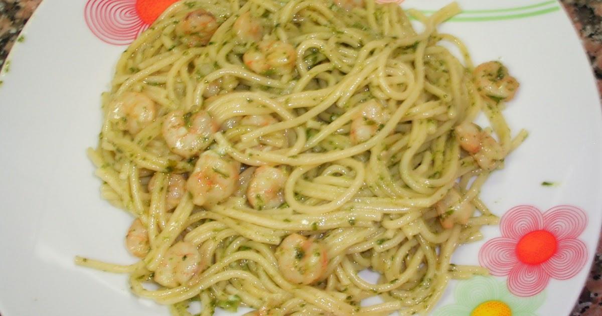 Cocina con xena espaguetis con gambitas y picado de ajo y for Espaguetis con ajo y perejil