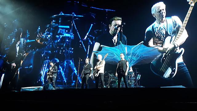 Super Bühnenshow U2 Konzert Berlin 2017