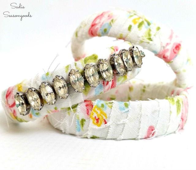 4 formas originales de reciclar collares rotos: brazalete