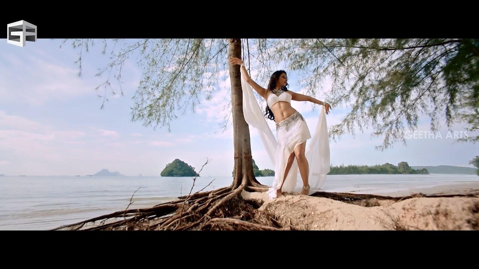 Navel Heroines: Rakul Preet Singh Hot Wet Cleavage,navel