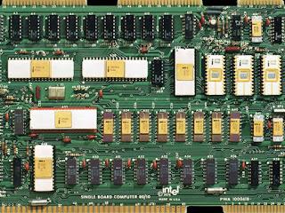 placa de circuito de computador de ouro Intel 8080 iSBC 80/10
