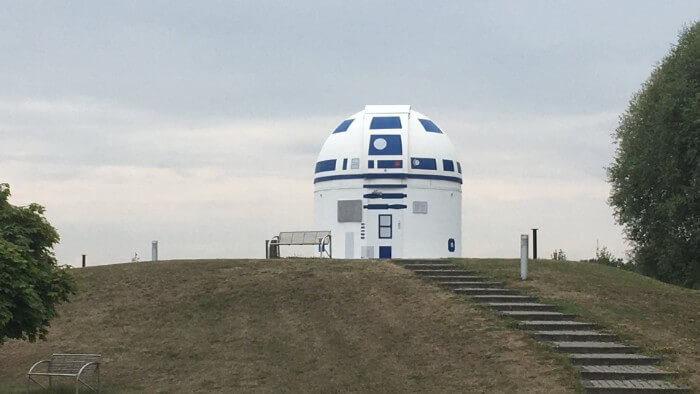 German Professor Who Loves Star Wars Has Repainted An Observatory Into A Giant R2-D2