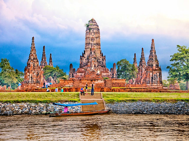 Ayutthaya Historical Park, Wat Chaiwatthanaram,  UNESCO World Heritage, Tourism Authority of Thailand, Copyright 2011