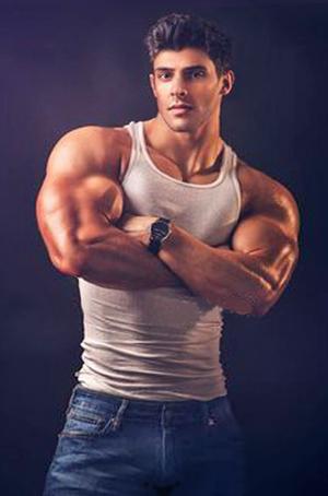 Polla muscular guapo