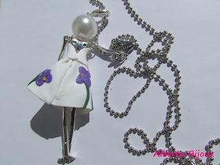 Bambolina bijoux di Alberta Bijoux dietro