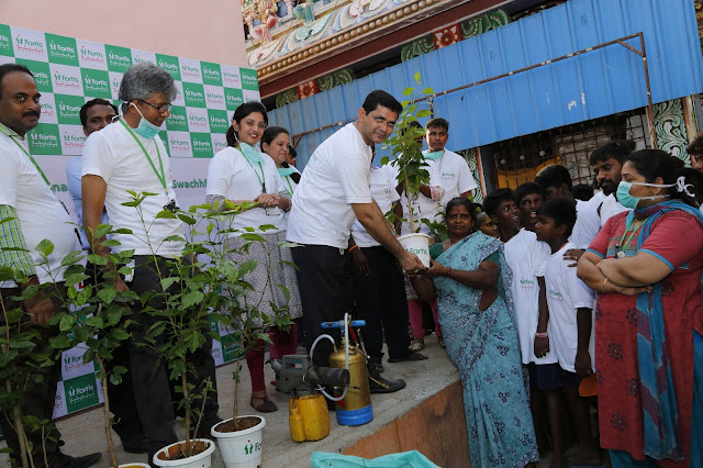 Fortis Malar Hospital organizes cleaning and awareness drive in slum on the wake of World Malaria Day