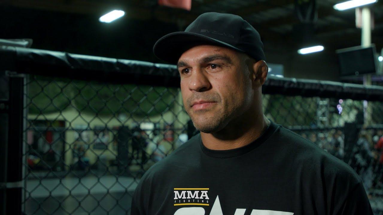 Vitor Belfort diz que gostaria de fazer dupla com Mike Tyson na AEW
