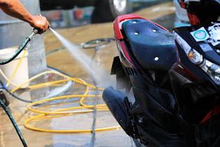 Cómo limpiar correctamente tu moto - Fenix Directo Blog