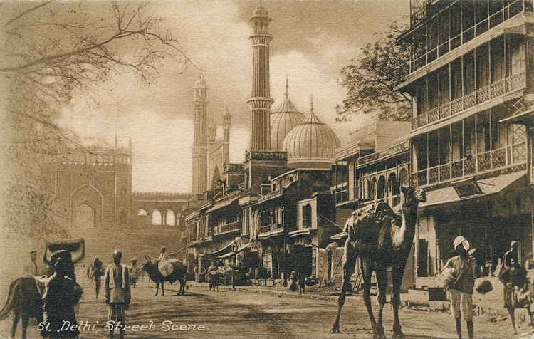 Delhi street Scene, Jama Masjid in Background - c1910