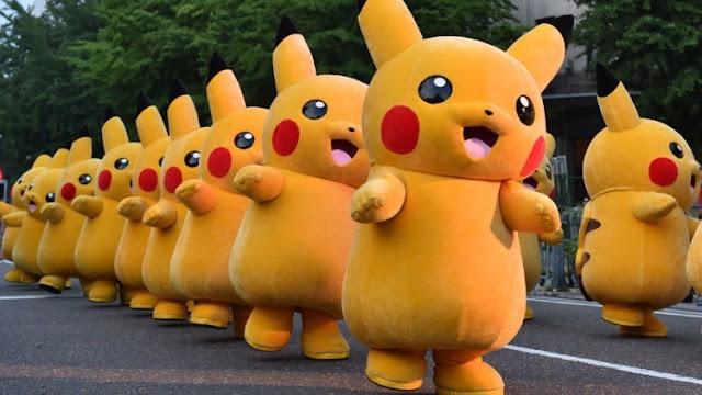 """""""Capitalismo de vigilancia y sociedad de robots"""": Oliver Stone arremete contra Pokémon Go"""
